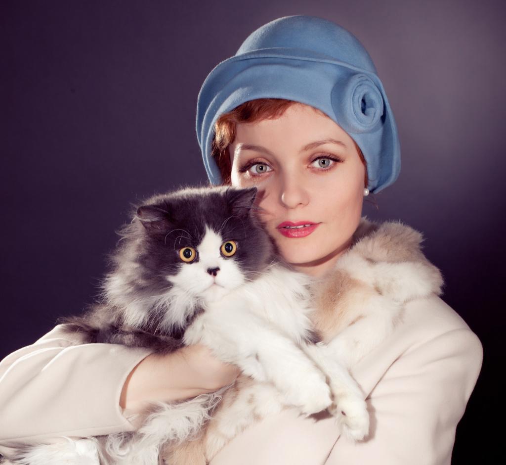 donne-e-gatto
