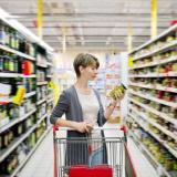 donna-al-supermercato