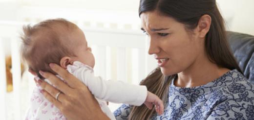 donna-mamma-bambino-neonato