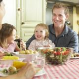 famiglia-bambini-cibo