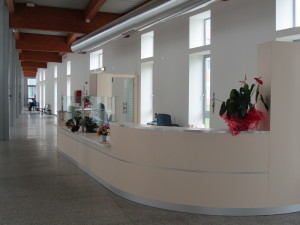 AOU Ferrara_accoglienza reception area ingresso pedonale pianoterra (4)