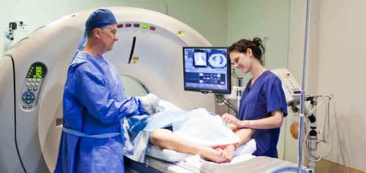 ospedale-laboratorio-medici-tac