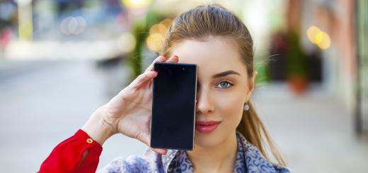 telefono-cellulare-smartphone-donna