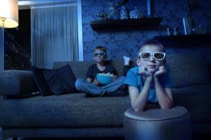 bambini-occhiali-tv