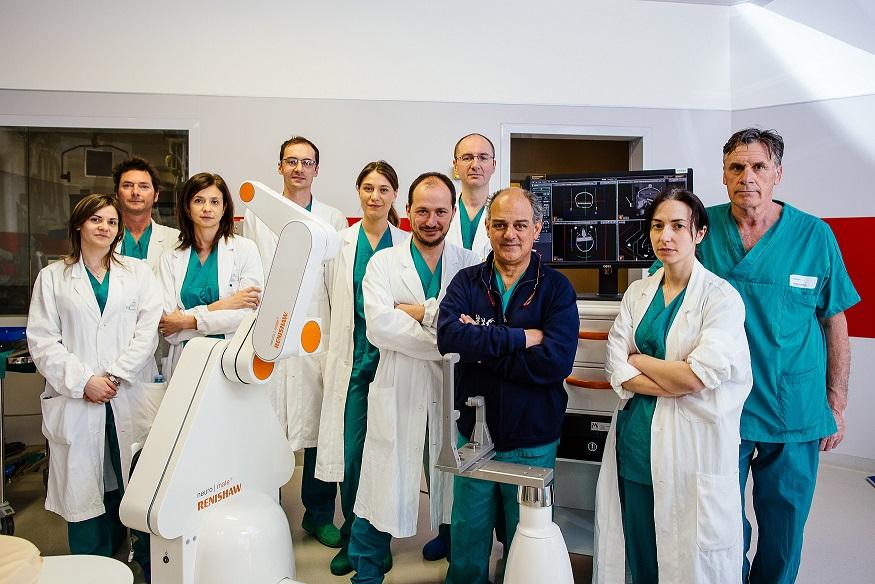 robot-neurochirurgico-meyer-1
