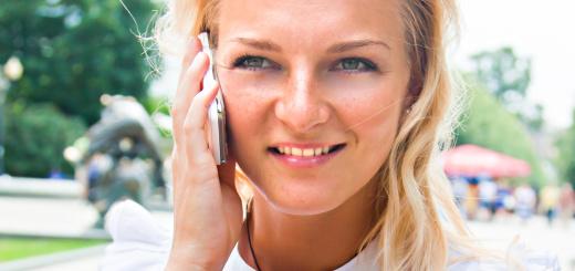 donna-al-telefono-cellulare