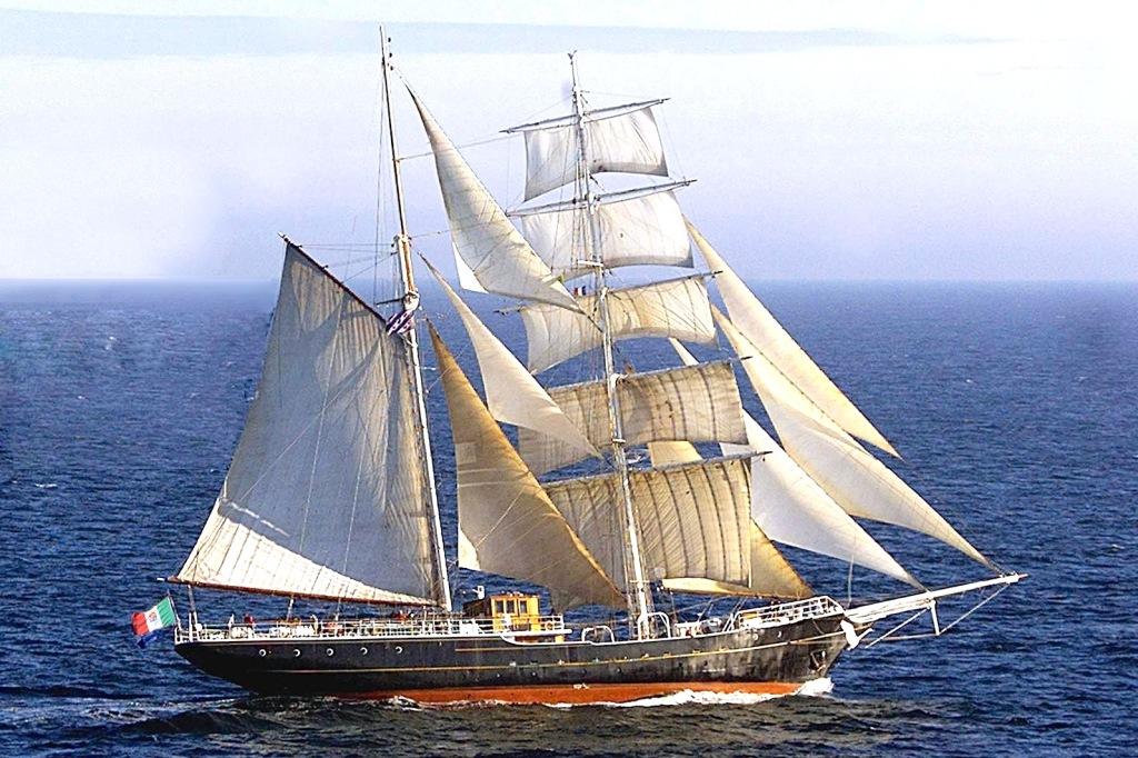 nave-italia-bambino-gesu