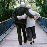 coppia-anziani-ponte