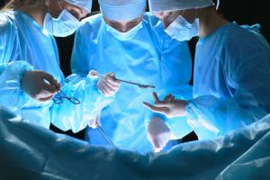 medici-chirurghi-sala-operatoria-4