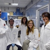 anna-cereseto-con-il-suo-team-di-ricerca-cibio-uni-trento