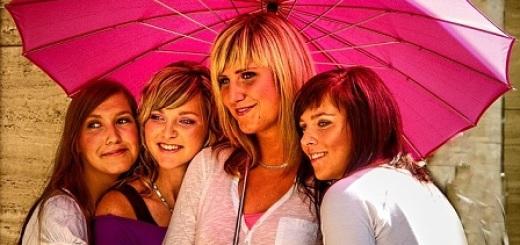 gruppo-donne-ombrello