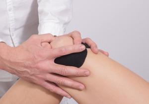 ginocchio-articolazioni-cerotto-dolore
