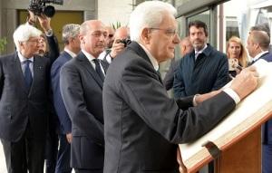 mattarella-firma-libro-storico-gaslini