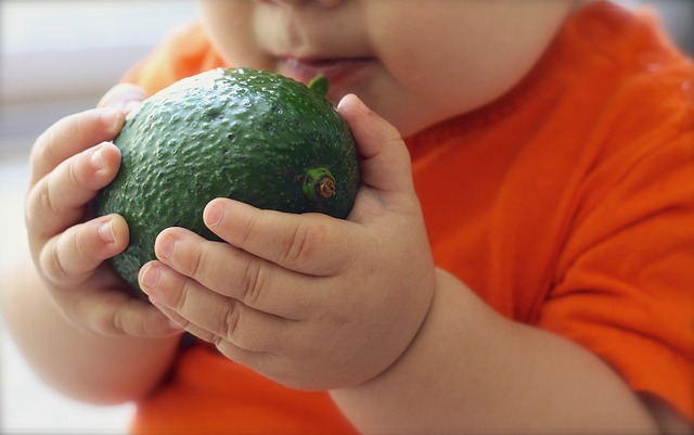 Figli obesi? Colpa delle madri, uno studio dell'università fa luce sulla questione