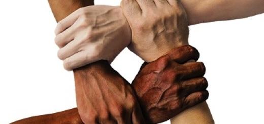 diritti-umani-mani