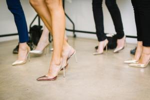 donne-gambe-scarpe-tacchi