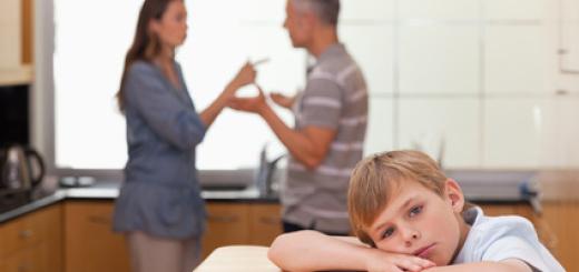 famiglia-bambino-triste-genitori
