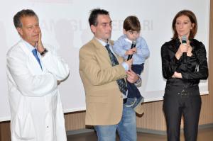 Il dottor Amodeo con la famiglia Ferrari