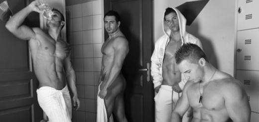 uomini-in-spogliatoio