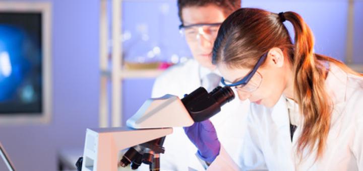 ricercatori-laboratori-di-ricerca