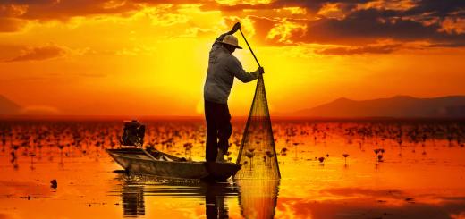 uomo-pescatore-tramonto
