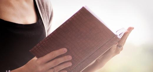 donna-con-libro