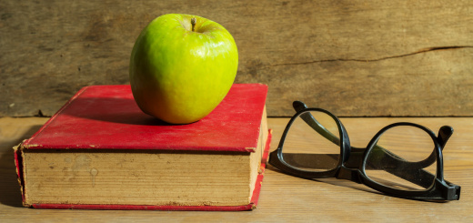 libro-mela-occhiali