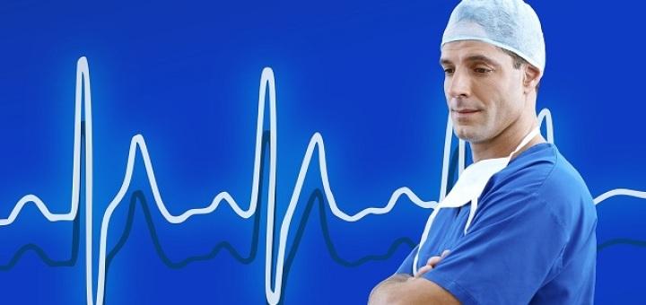 medico-elettrocardiogramma-cuore