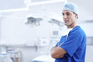 medico-sala-operatoria