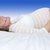 donna-lettino-incinta-gravidanza