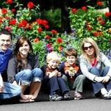 famiglia-bambini-giardino