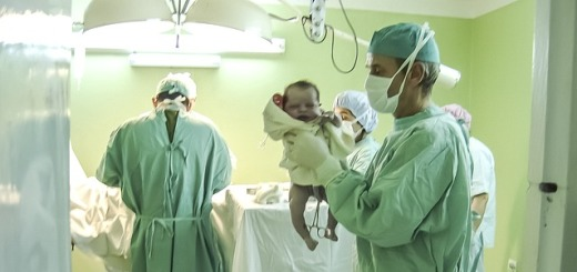 neonato-ospedale-sala-parto
