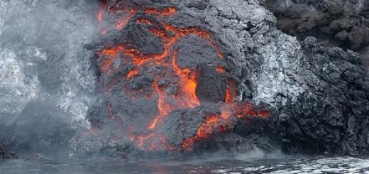 vulcano-eruzione-lava