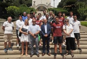 gruppo-atleti-nazionale-nuoto-acque-libere-gaslini-2018