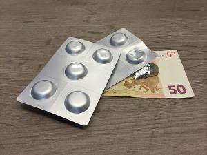 farmaci-pillole-blister-soldi