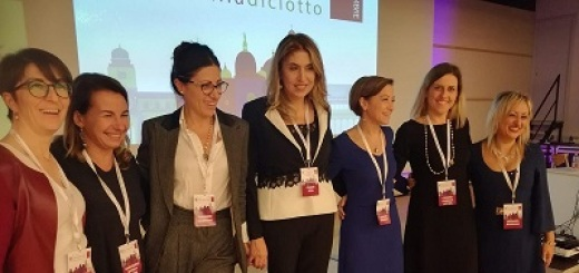 woman-for-oncology-meeting-padova-2018