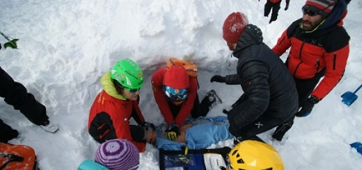 corso-valanga-soccorso-alpino-abruzzo