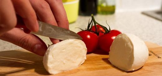 cibo-mozzarella-pomodori