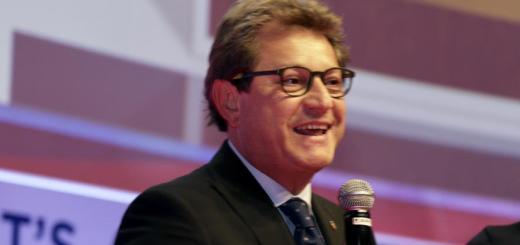 prof-michele-gulizia-riceve-targa-d-oro-cardiologia