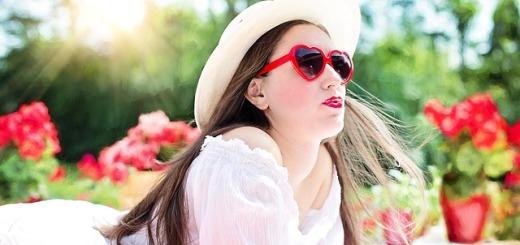 donna-occhiali-da-sole