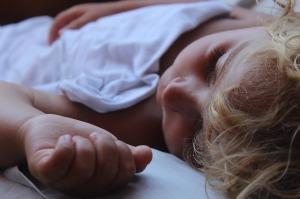 bambino-sonno-letto
