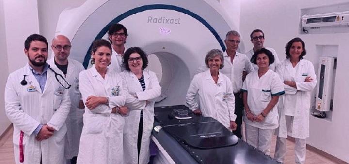 equipe-tomoterapia-elicoidale-radixact-molinette